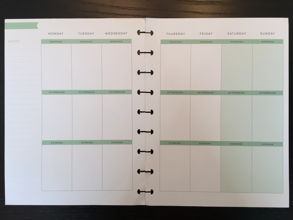 Picture of a blank weekly calendar spread